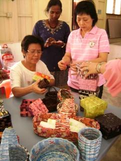 singmom-weaving1
